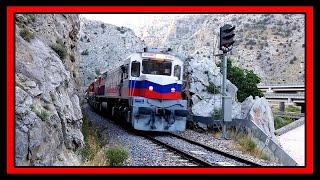 Download Çift Tren: Akköprü Mevkiinde. 1.Tren Loko: DE 33000& DE 22 075(Soğuk) 2.Tren Lokosu: DE 24000 Video