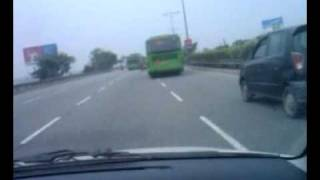 Download DTC bus speeding on DND expressway.mp4 Video