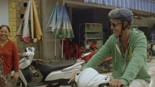 Download Anthony Bourdain scoots through Vietnam (Parts Unknown) Video