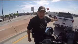 Download Police threatens to give motorcyclist ticket for honking horn Video
