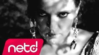 Download Demet Akalın - Nazar Video
