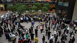 Download Beethoven Flash Mob - Wayzata Symphony Orchestra and Edina Chorale - Minneapolis Nov 16 2015 Video