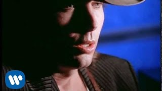 Download Dwight Yoakam - The Heart That You Own Video