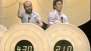 Download Bullseye Contestant Hits a 180 and His Mate Gets Overexcited Video