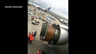Download 'Brace!': passenger films United Airlines emergency landing Video