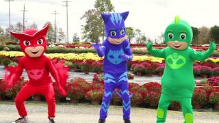Download PJ Masks Christmas Heroes In Real Life - Lemonade Stand with Chase Paw Patrol Video