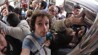 Download ¿Qué TAN MAL se pone el metro en HORA PICO? Video