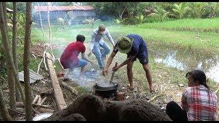 Download Gia đình anh Trung và anh Khanh ghé nấu nướng - sự cố từ cái lỗ | SBNN miền tây 206 Video