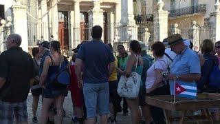 Download Turisti a Cuba dopo la morte di Castro: è un momento storico Video