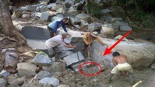 Download Mecah Bongkahan Batu, Orang ini Terkejut Temukan ini Dalam Batu...WOW !! Video