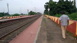 Download Sealdah Rajdhani express passing through Bally station. Video