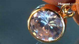Download How to Tell Real Diamonds from Fake Video