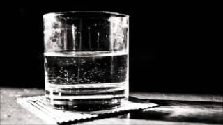 Download Descubre si hay brujería con agua y un vaso Video