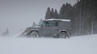 Download How to drive a Land Rover in snow: Driving Techniques Video