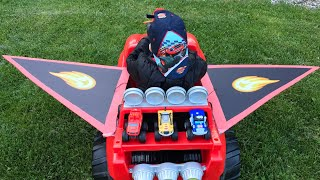 Download GIANT BLAZE AND THE MONSTER MACHINES RIDE ON CAR TOYS FROM CARTOON Video