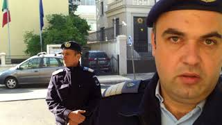 Download Un jandarm mă recunoaște după nume, nu mai vrea buletinul meu - Curaj.TV Video