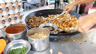 Download Kuih-Kak at Jalan Chowrasta Georgetown.槟城乔治市吉灵巴刹炒粿角 Video