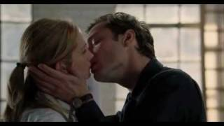 Download Closer 2005 kiss scene Video