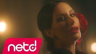 Download İrem Derici - Bazı Aşklar Yarım Kalmalı Video