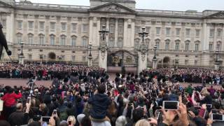 Download Changing of the Guard at Buckingham Palace 2 - 30 October 2016 Video