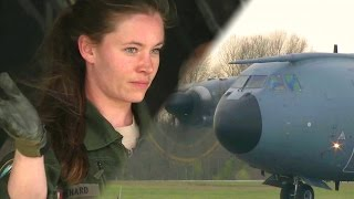 Download French Air Force Airbus A400M Atlas Taxiing/Unloading Video