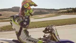 Download Valentino Rossi vs Guy Martin Race ! Video