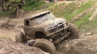 Download CRAWLER FORD on MOUNTAIN MAN COURSE Video