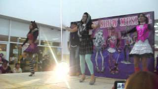 Download MONSTER HIGH LIVE SHOW Video