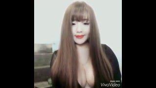 Download Hot girl Giang Cao lộ núm vú khi vén tóc Video