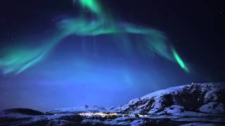 Download Meeting the Auroras - Real time video of the northern lights Video