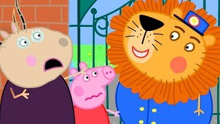 Download Peppa Pig Official Channel 🦁 A Lion has Escaped from the Zoo - Peppa Pig Visits the Zoo Video