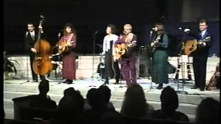 Download The Isaacs. A Soldier's Prayer. 1994 ( Our Style Live ) Video