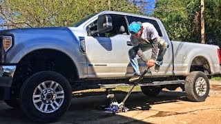 Download Rebuilding A Wrecked 2017 Ford F-250 Part 4 Video