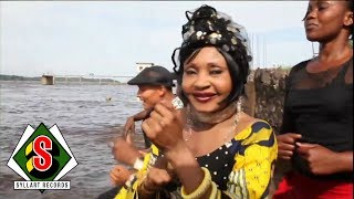 Download Mbilia Bel - Nakei Naïrobi (″El Alambre″) [Clip Officiel] Video