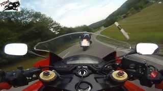 Download CBR 600 F vs GSX 750 F Video