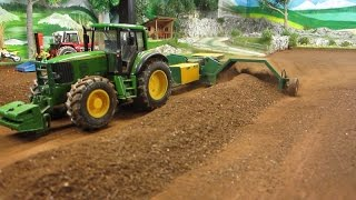 Download RC TRACTOR turn dusty compost - Rc toy action Video