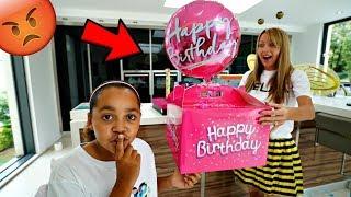 Download MY MOM'S BIRTHDAY PRESENTS PRANK!! Video