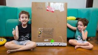 Download Placa de 1 Milhão Surpresa - Crianças Brincando - Paulinho e Toquinho Video