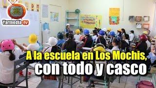 Download A la escuela en Los Mochis, con todo y casco Video