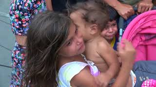 Download Thousands of Venezuelan Families Continue to Flee Their Country Video