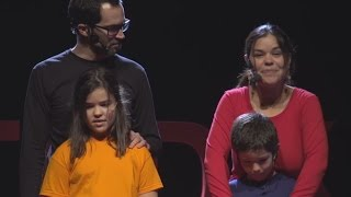 Download Otro mundo está ocurriendo | Martín, Ana, Gemma, Mateo Road4World | TEDxGracia Video