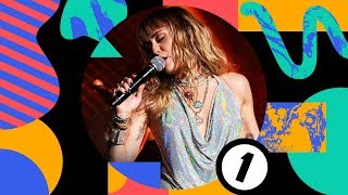 Download Mark Ronson - Nothing Breaks Like A Heart (feat. Miley Cyrus) (Radio 1's Big Weekend 2019) Video