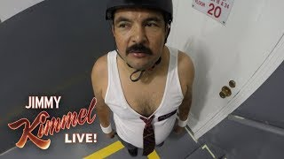 Download Guillermo Climbs the Empire State Building Video