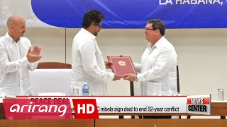 Download Colombian government signs peace deal with FARC Video