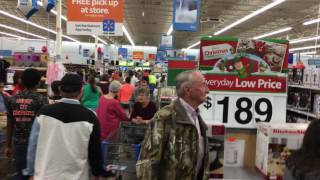 Download Black Friday Walmart Is Crazy Many Louisiana 2016 Video