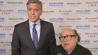 Download George Clooney Cracks Jokes with 'roommate' Danny DeVito Video