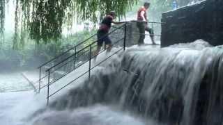 Download Starkes Hagelunwetter am Hölderlinturm in Tübingen Video