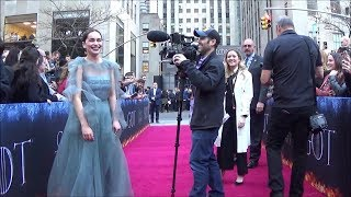 Download GAME OF THRONES Cast Visits the Fan Zone at the NYC Final Season Premiere Video