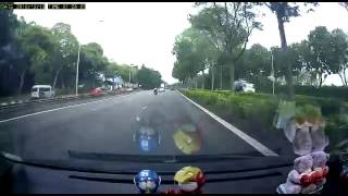 Download AYE to tuas accident Video