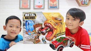 Download Unboxing Mainan Mobil vs Dinosaurus - Zuru Metal Machines T-Rex Attack Video